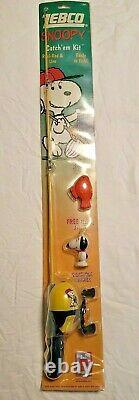 SNOOPY Peanuts ZEBCO Set FISHING ROD POLE, REEL, BOBBER, PLUG New in Package
