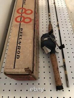 VINTAGE ZEBCO 88 BUILT-IN ROD & REEL COMBO With BOX