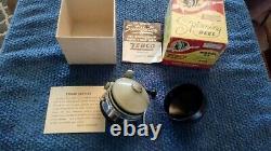 Vintage Zebco 33 Reel in Box + Papers Mylar Plastic Spinner Head
