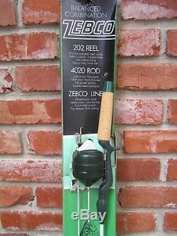 3pt8 Nouveau Vintage 1976 Zebco Rod # 4020 Et Reel # 202 Combo De Pêche # 1245 St135