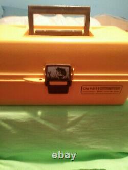 Rare (old Pal Reel) Zebco Et Tackle Box Avec Beaucoup De Plaquages Inclus