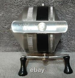 Vintage @1967 Brand New N Original Box Zebco Model 11 Spin-cast Reel Made N Etats-unis
