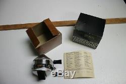 Vintage 1977 Nos Marque Nouveau Dans La Boîte Zebco 33 Bobine Rare Rivet Simple Métal Pied USA