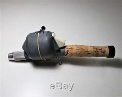 Vintage Unique Zebco 99 Moulinet De Pêche Dans L'assemblée De Poignée De Poteau (combo) Avecbag