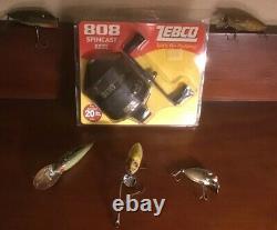 Zebco 808 Spincast Version 20lbs. Nouveau Paquet/5 Leurres Vintage Utilisés